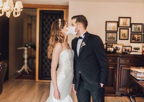 Dasmë me maska, martohen dy mjekët shqiptarë