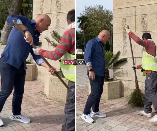 E bëri xixë/ Fevziu pastron me fshesë bustin e Ismail Qemalit
