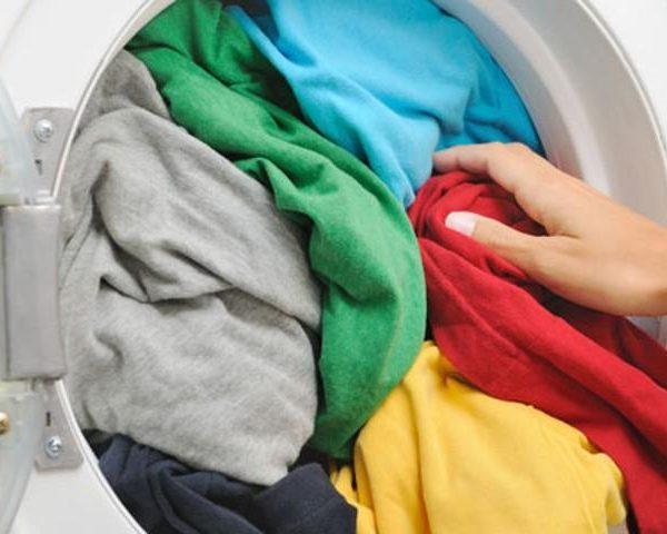 Do shpëtoni/ Bëni  këtë veprim sa herë që të fusni rrobat në lavatrice dhe do shihni sa të reja do duken