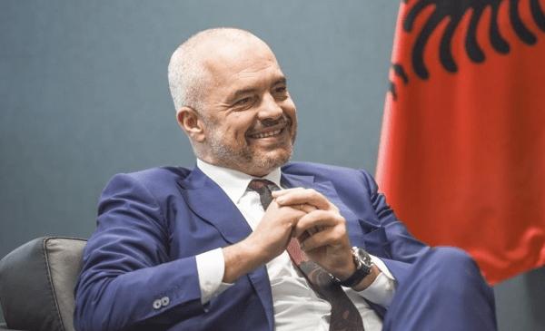 Edi Rama uron nga zemra shqiptarët/ Ditë të mira do na vijnë, bekuar qofshin shqiptarët