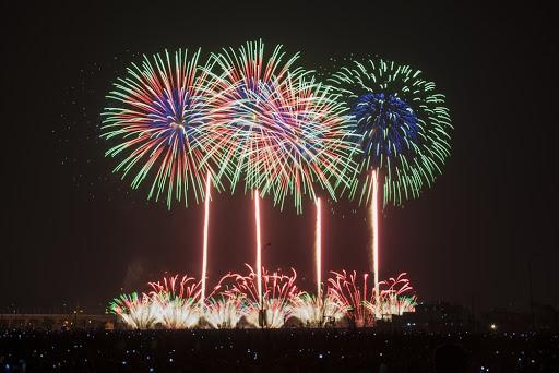 I sollën botës pandeminë/ Njerëzit në Wuhan festojnë sikur të mos ketë ndodhur gjë
