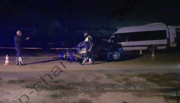 Video/ Furgoni me pasagjerë përpl aset me një veturë/ 7 të pl agosur