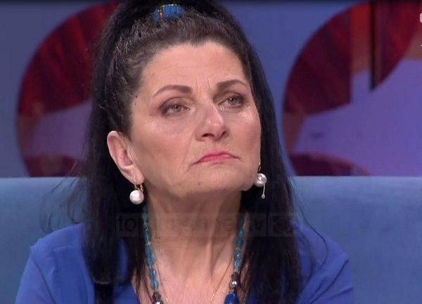 Mbani lotët, Shqipja bën rrëfimin  prekës për jetën e saj/ Ish burri dhe familjarët e tij më bënin për spital, ai më solli dhe letrën e ndarjes ditën që humba babanë